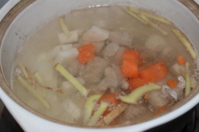 胡萝卜山药排骨汤怎么煮