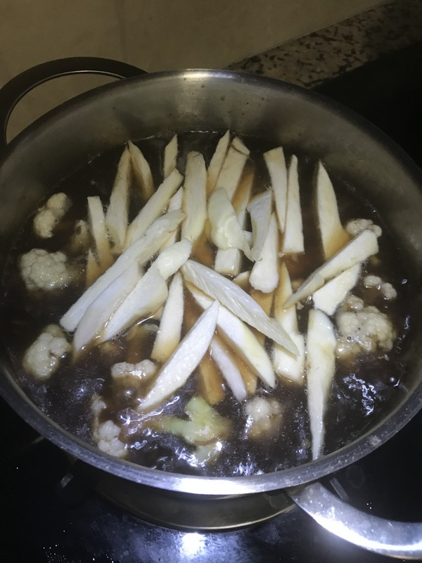 高汤羊肉杂蔬煲怎么做