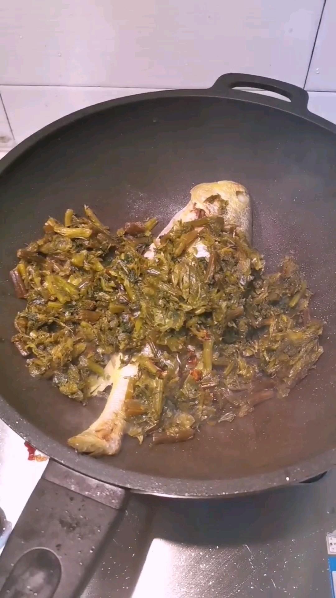 雪菜炖黄鱼怎么吃