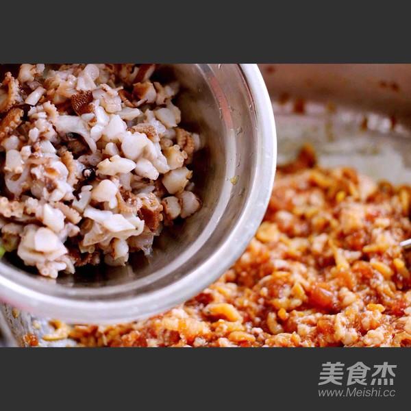 芹菜肉馅海鲜饺子怎样煸