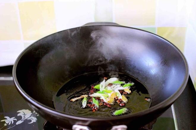 红蟹鱼烩黄稞的简单做法
