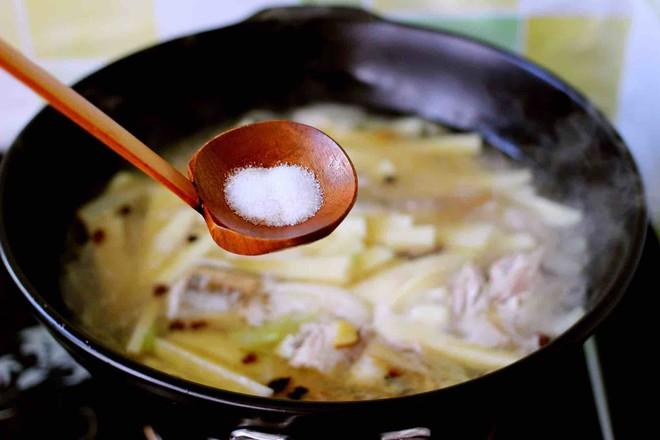红蟹鱼烩黄稞怎样煮