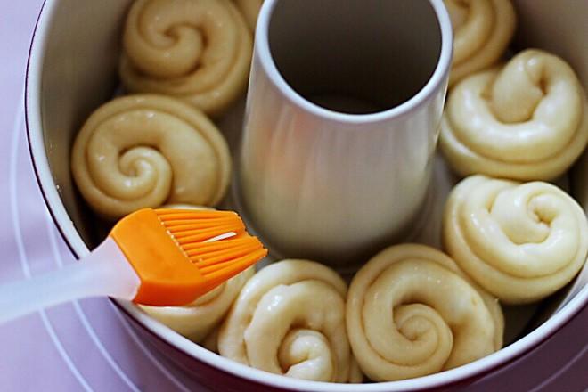 椰蓉花环面包的制作