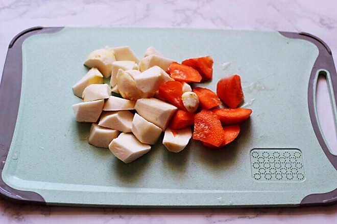 咖喱芋头鸡肉饭的家常做法