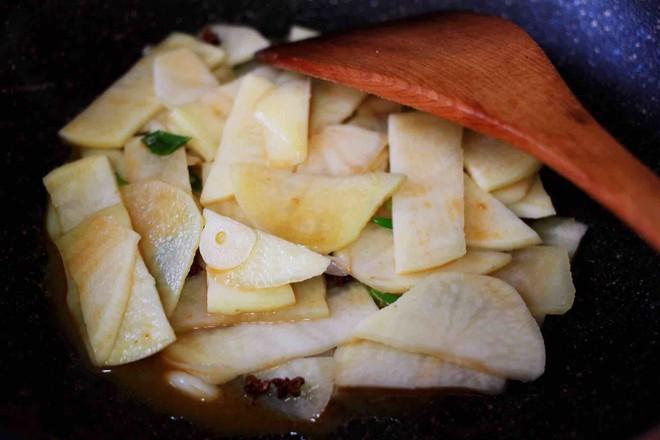 土豆片爆海虾怎么炖