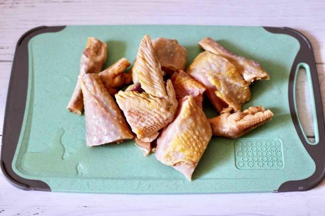 铁皮石斛百合炖土鸡的做法图解