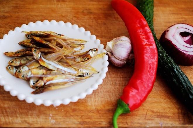 鱼干凉拌杂蔬的做法大全