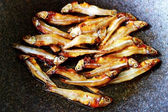 鱼干凉拌杂蔬的简单做法