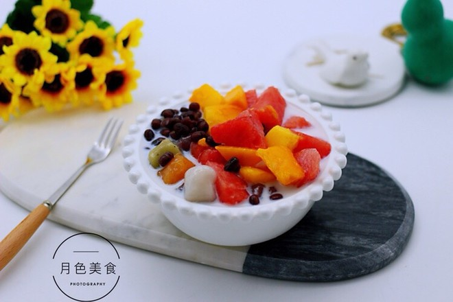 椰浆红豆芋圆水果捞的步骤