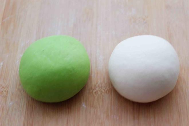 菠菜双色花样小馒头卷怎么炒