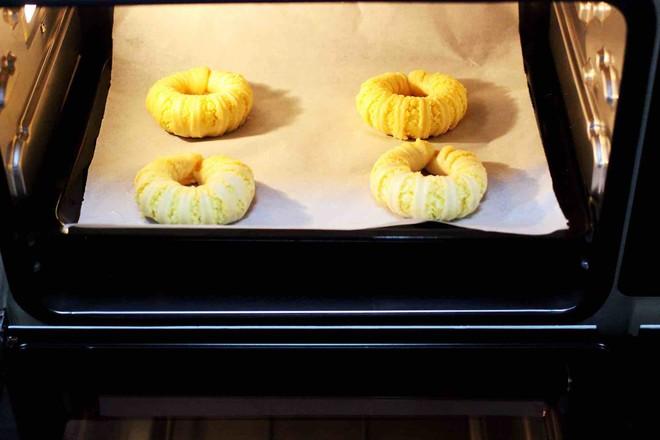 椰蓉奶香面包圈的制作方法