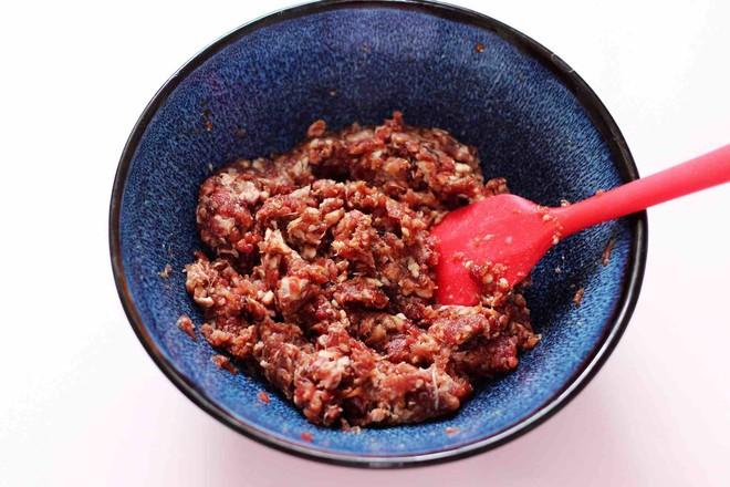 补血宜气的牛肉芹菜发面包怎么做