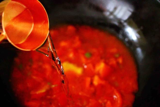 【红红火火】的金针菇酸汤肥牛卷怎样煸