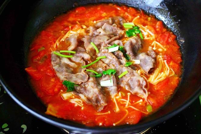 【红红火火】的金针菇酸汤肥牛卷的制作