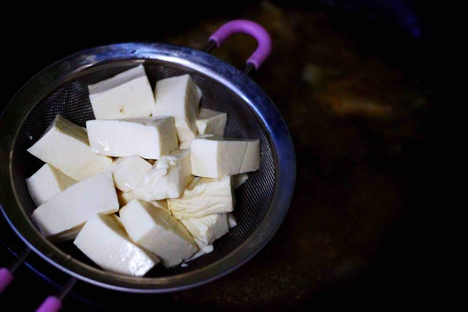 六鲜菌菇海鲜豆腐什锦汤怎样煸