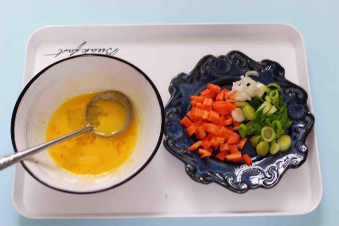 虾仁豆芽蛋炒饭的做法图解