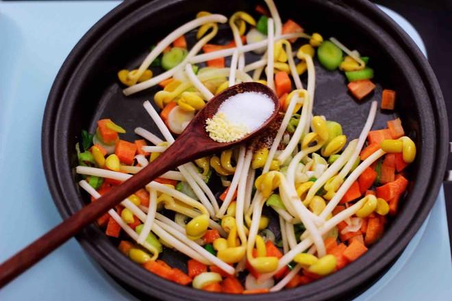 虾仁豆芽蛋炒饭怎么煮