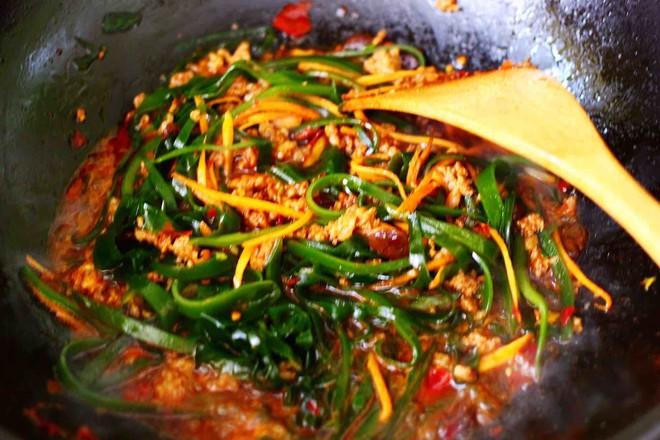 肉末海带炒粉条的制作方法