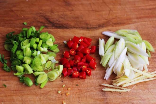 肉末青蒜烩豆腐怎么做