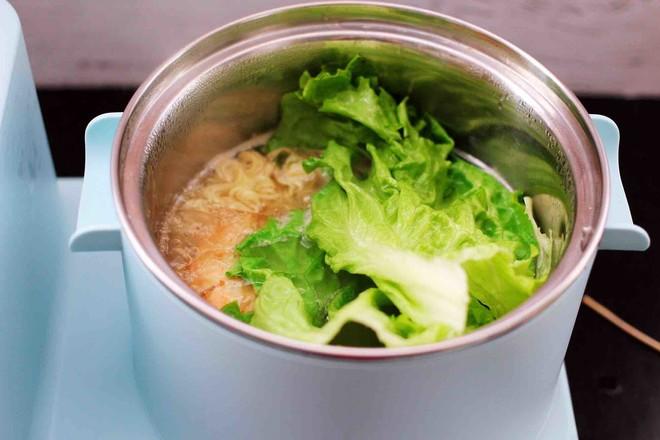 对虾红肠时蔬泡面怎样煮