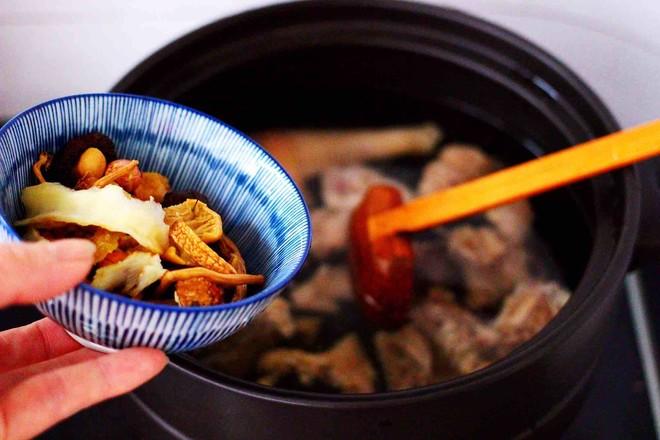 姬松茸板栗炖鸡汤怎么炖