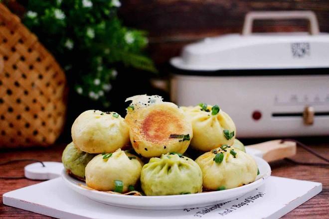 双色西葫芦韭菜生煎包成品图