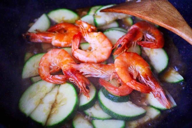 西葫芦炒海虾怎样煮