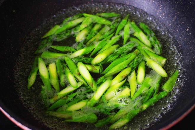 芦笋炒肉怎么吃