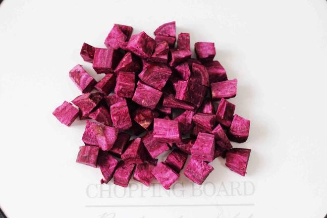 紫薯双米草莓粥的家常做法