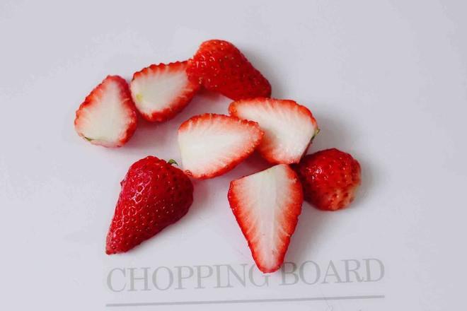 紫薯双米草莓粥的简单做法