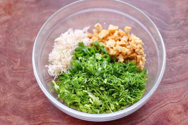 茴香油渣虾皮包的简单做法
