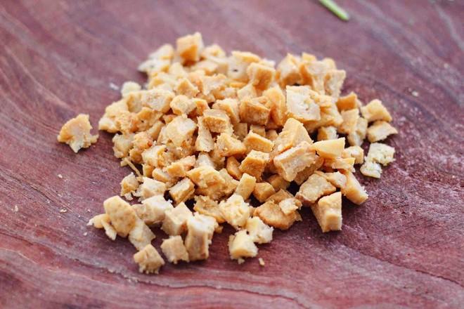 茴香油渣虾皮包的做法图解