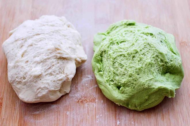 双色菠菜花样馒头的简单做法