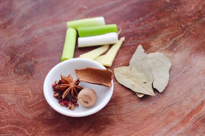 板栗炖土鸡汤的简单做法