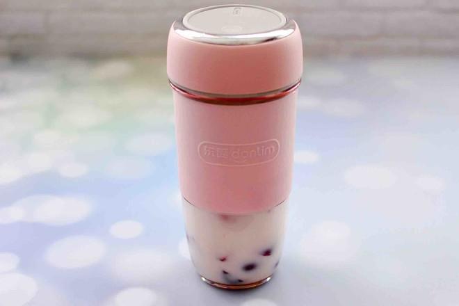 车厘子草莓冰奶昔怎样煸
