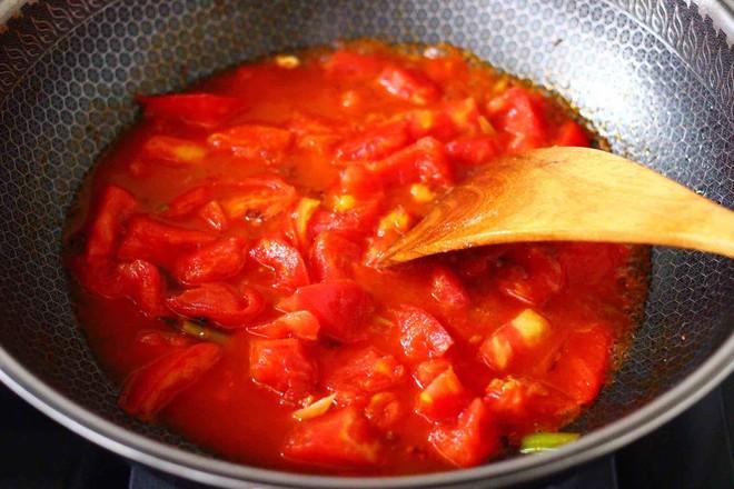 西红柿木耳鸡蛋打卤面怎样做