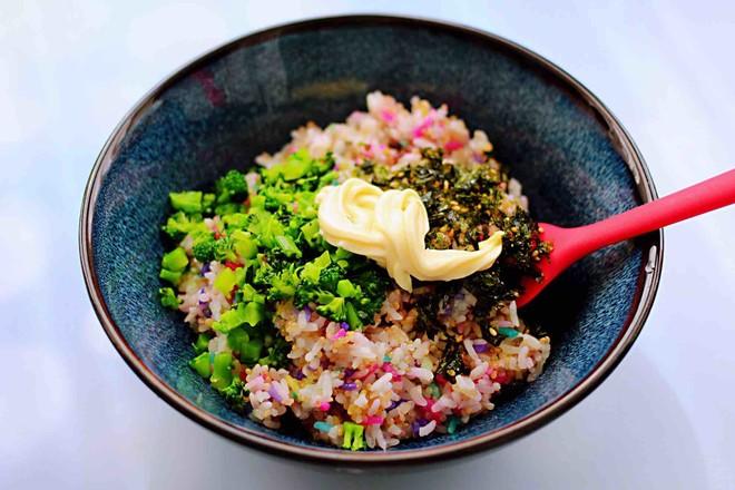藜麦海苔五彩米饭团怎样做