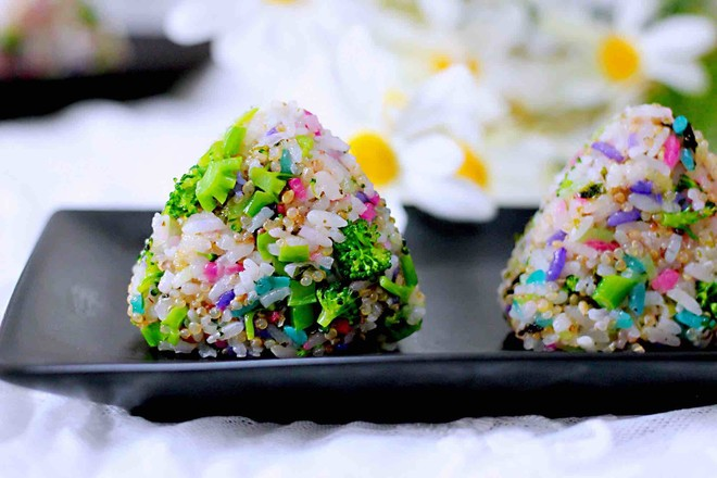 藜麦海苔五彩米饭团怎样煮