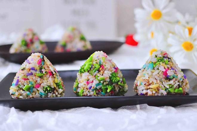 藜麦海苔五彩米饭团成品图