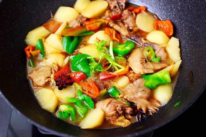 土鸡土豆粉条一锅炖的制作方法
