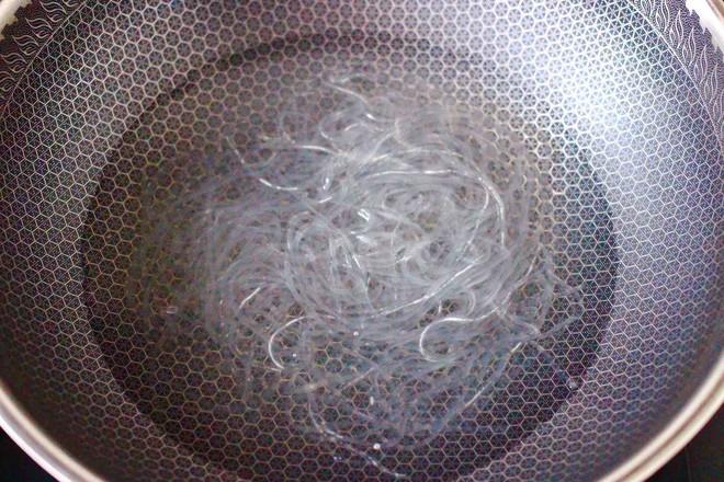 韭菜粉条发面包的家常做法