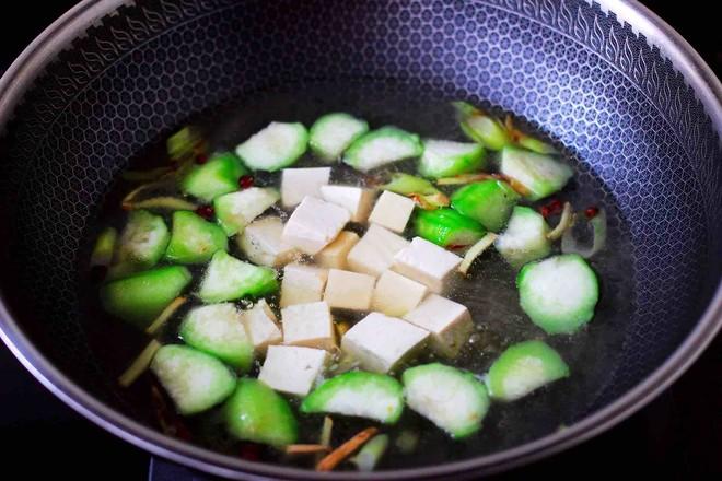 丝瓜花蛤炖豆腐怎么炖