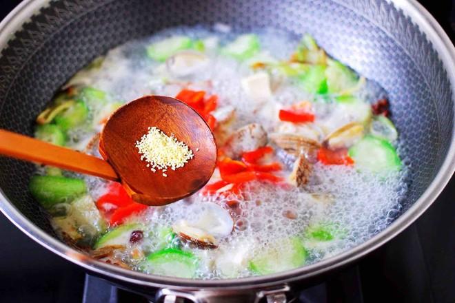 丝瓜花蛤炖豆腐怎样煮