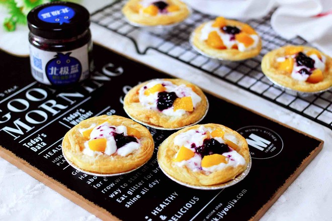 蓝莓黄桃酸奶蛋挞怎样做