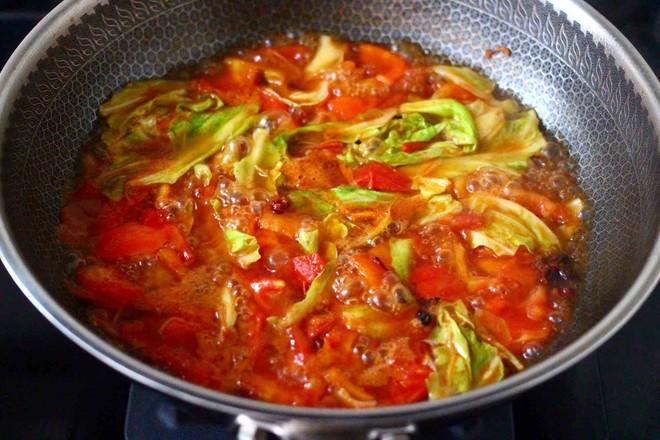 包菜番茄花蛤汤怎么煸