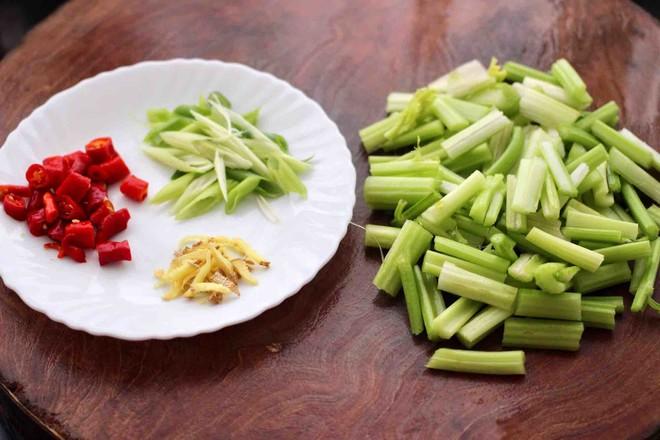豆干肉片芹菜小炒的做法图解