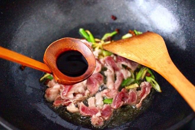 豆干肉片芹菜小炒怎么炒