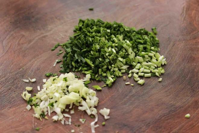 小白菜虾皮素包的简单做法