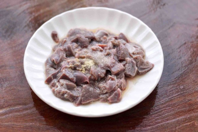 猪肝茼蒿粥的步骤