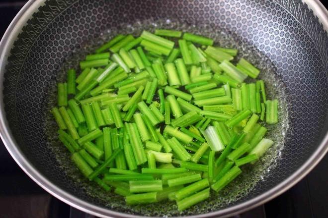 香干炒芹菜的简单做法